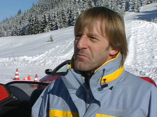 Joachim Winkelhock and his winter training on the Opel Tigra Twin Top