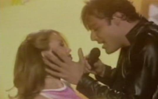 Ricky Martin ft. Kylie Minogue - Livin'  La Vida Loca