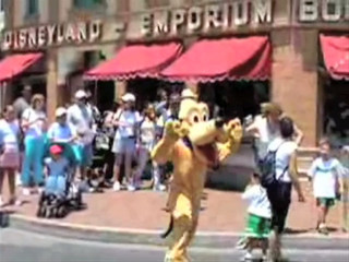 Pluto chase kid around Disneyland (BENNY HILL Remix)