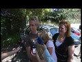 Feestelijk onthaal in Noordwijkerhout voor uit Cyprus terugkerende vader Gerard met zijn dochtertjes Sanne en Amber