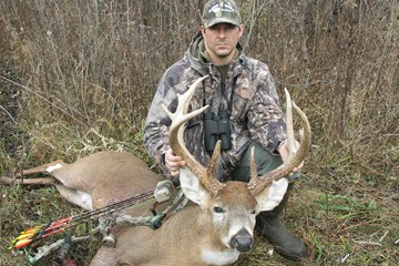 Trent's Illinois Whitetail Buck Harvest ONLY on HawgNSons TV!