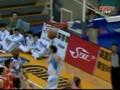 Tien Lei baseline dunks