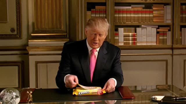 Oreo DSRL:  Donald Trump gets a new cookie jar