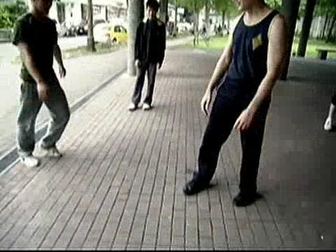 Wing Chun Kicking and Popai 13
