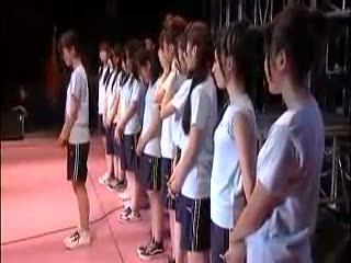 AKB48 Team B in Messe.