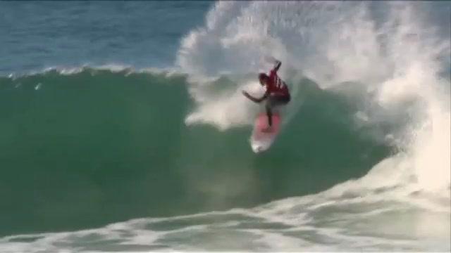 SURF : Jordy Smith beats Adam Melling at JBAY!