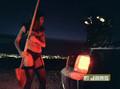 Kanye West Feat. Dwele - Flashing Lights (Divx)