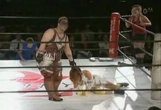 Mayumi Ozaki & Chikayo Nagashima vs Aja Kong & Ayako Hamada