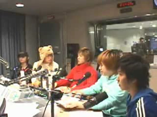 Youngstreet Radio Super junior heechul dance to girl on top